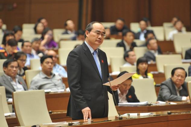 Chủ tịch Ủy ban Trung ương MTTQ Việt Nam Nguyễn Thiện Nhân phát biểu trước Quốc hội chiều 3/11. Ảnh: VGP/Hoàng Anh
