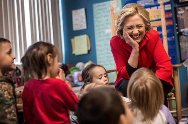 Bà Clinton giành được sự ủng hộ của hơn 50% trẻ em tham gia bầu chọn trong cuộc thi có lịch sử từ năm 1988. Ảnh: Poli
