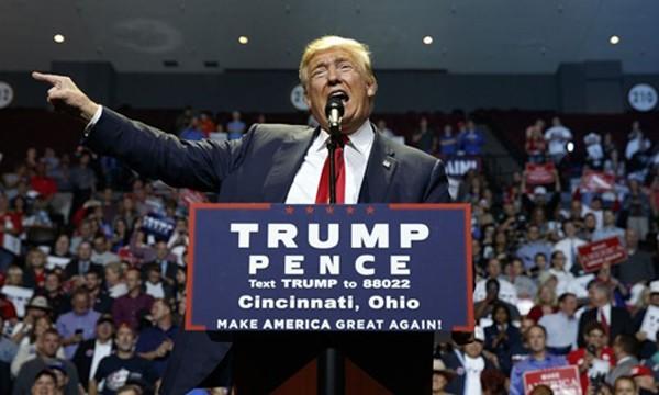 Ông Donald Trump tại buổi vận động tranh cử ở Ohio hôm 13/10. Ảnh:AP