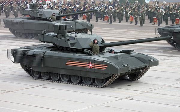 Xe tăng Armata T-14 tập luyện cho lễ duyệt binh. Ảnh: Vitaly Kuzmin.