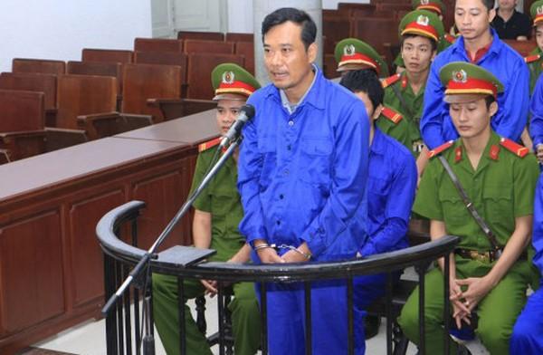 Bị cáo Trần Quốc Đông, nguyên Phó Tổng giám đốc Tổng công ty Đường sắt Việt Nam, nguyên Giám đốc RPMU tại phiên tòa xét xử sơ thẩm tháng 10/2015. Ảnh: Doãn Tấn