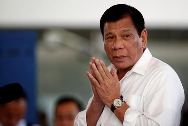 Tổng thống Duterte chúc ông Trump sống lâu. Ảnh: Reuters