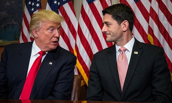 Donald Trump gặp Chủ tịch Hạ viện Paul Ryan để bàn các kế hoạch của đảng Cộng hoà. Ảnh: AFP