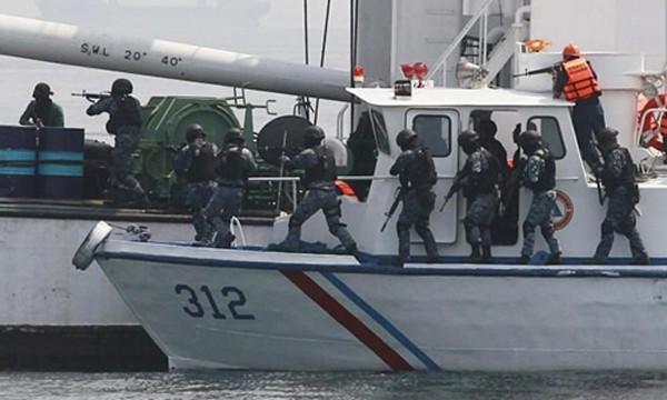 Hải quân Philippines trong một cuộc tuần tra chống hải tặc. Ảnh:vesselfinder.com
