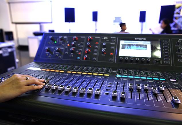 Hai gói thầu mua sắm thiết bị âm thanh và camera do UBND huyện Thường Tín, Hà Nội là chủ đầu tư bị nhà thầu tố về việc trì hoãn phát hành HSYC. Ảnh: Lê Tiên