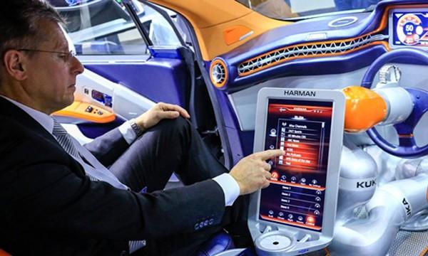 Thương vụ với Harman sẽ giúp Samsung có nền tảng vững chắc trong mảng công nghệ ôtô. Ảnh: Bloomberg