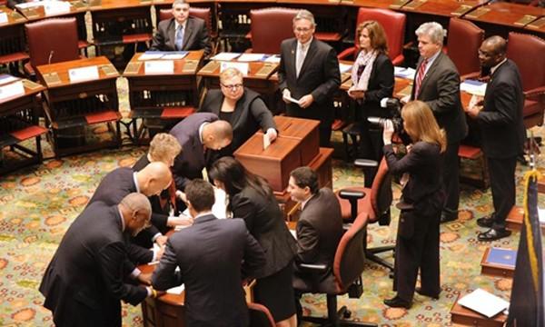 Đại cử tri bỏ phiếu ở New York năm 2012. Ảnh:AP