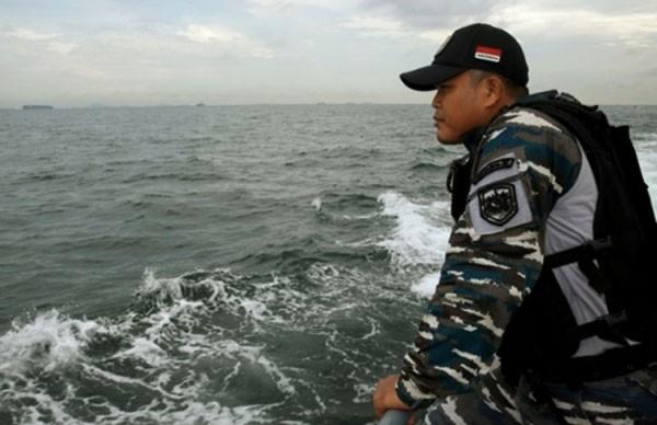 15 người mất tích sau vụ va chạm giữa tàu cao tốc và tàu chở hàng Việt Nam. Ảnh:Dailystar