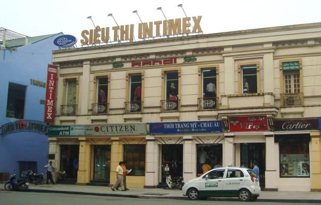 UBND TP. Hà Nội vừa chấp thuận về mặt nguyên tắc với việc đầu tư khách sạn tại số 22 - 32 phố Lê Thái Tổ, quận Hoàn Kiếm, Hà Nội. Ảnh: Phan Hồng