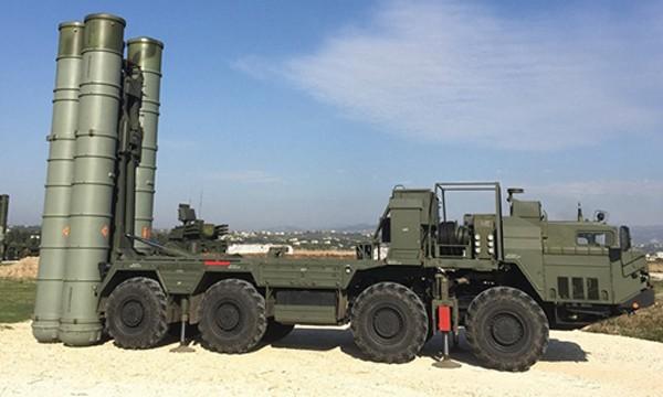 Hệ thống tên lửa phòng không S-400. Ảnh:Sputnik.