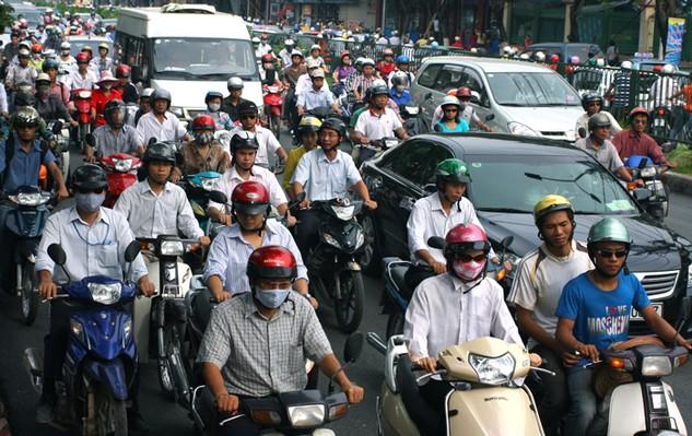 Trong số các công trình giao thông cấp bách giảm ùn tắc giao thông tại Hà Nội được Thủ tướng Chính phủ cho phép áp dụng cơ chế đặc thù, hiện có 3 công trình đang được thi công, 2 công trình tạm dừng triển khai