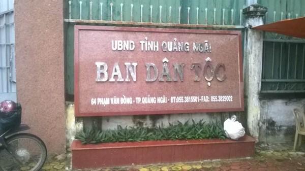 Thông báo phát hành HSMT tại số 64 đường Phạm Văn Đồng, TP. Quảng Ngãi, nhưng thực tế bán HSMT tại Nhà Văn hóa lao động Tỉnh (Ảnh nhà thầu cung cấp)