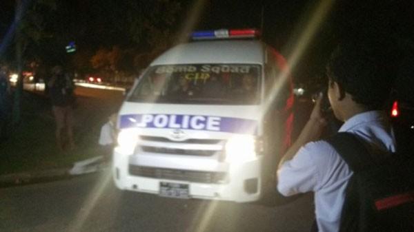 Xe cảnh sát Myanmar tại Yangon. Ảnh:Twitter