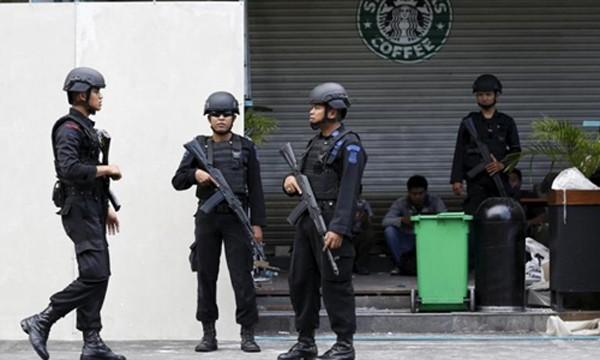 Cảnh sát chống khủng bố Indonesia. Ảnh:Reuters.