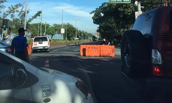 Tuyến đường qua đại sứ quán Mỹ ở Manila bị phong tỏa vì vật thể khả nghi. Ảnh:Manila Bulletin.