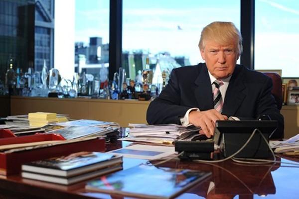 Donald Trump tại văn phòng trong Trump Tower. Ảnh:AFP
