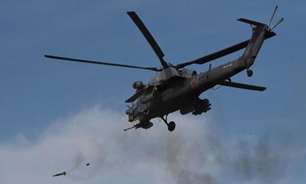 Trực thăng quân sự Nga tham gia một cuộc tập trận ở Crimea hồi tháng 9. Ảnh:AFP