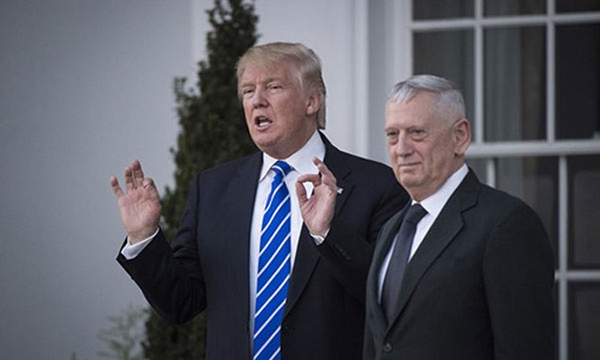 Donald Trump hôm 21/11 tuyên bố đang cân nhắc ông Mattis làm bộ trưởng quốc phòng. Ảnh: Washington Post