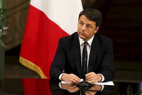 Thủ tướng Italy - Matteo Renzi sẽ từ chức nếu người dân bỏ phiếu phản đối. Ảnh: Reuters