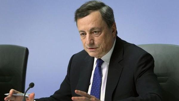 Chủ tịch ECB - Mario Draghi không cho rằng họ đang giảm nới lỏng. Ảnh:AFP