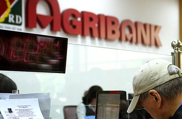 Một nhóm bị cáo là cán bộ Ngân hàng Agribank đã có hành vi lợi dụng chức vụ, quyền hạn, dẫn đến hậu quả là Ngân hàng bị lừa đảo hơn 2.000 tỷ đồng. Ảnh: Đăng Khôi