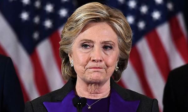 Hillary Clinton khóc khi thừa nhận thất bại trong cuộc bầu cử tổng thống Mỹ 2016. Ảnh:Reuters.