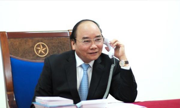 Thủ tướng Nguyễn Xuân Phúc điện đàm với Tổng thống đắc cử Donald Trump. Ảnh: VGP