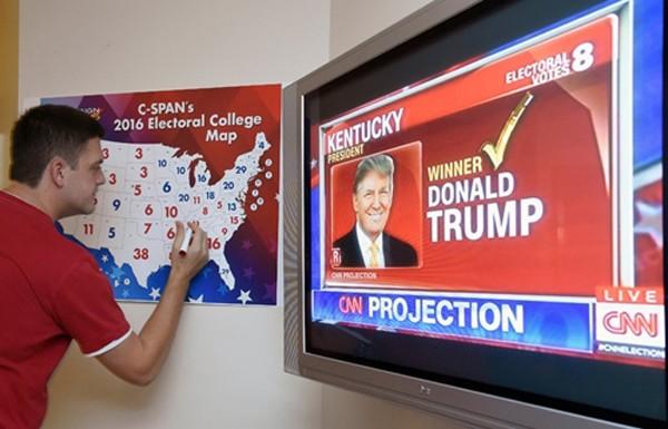 Bản đồ về số phiếu đại cử tri dự kiếnđêm bầu cử tổng thống Mỹ. Ảnh:AFP