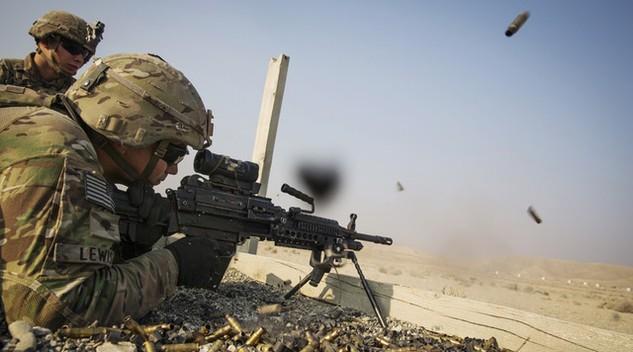 Cảnh chiến đấu của binh lính Mỹ (Ảnh: Reuters)