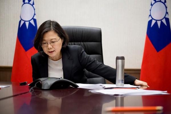 Lãnh đạo Đài LoanThái Anh Văn điện đàm vớiDonald Trump, tổng thống Mỹ đắc cử. Ảnh:Reuters