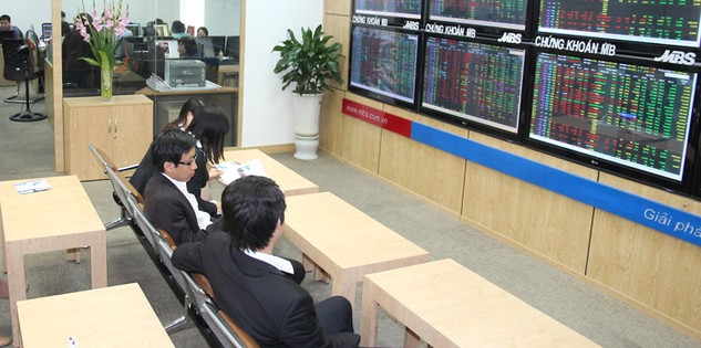 Nếu không xuất hiện yếu tố tác động đặc biệt, thị trường chứng khoán Việt Nam năm 2017 ít có khả năng tăng điểm mạnh