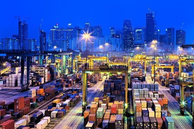 Hoa Kỳ là thị trường đơn lẻ lớn nhất đối với hàng hóa xuất khẩu của Trung Quốc, chiếm khoảng 20% tổng lượng hàng hóa từ Trung Quốc bán ra thị trường nước ngoài
