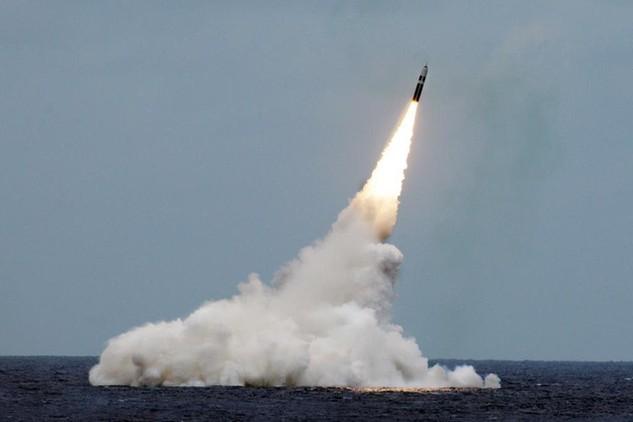 Tên lửa Trident II D5. (Ảnh: USNavy)