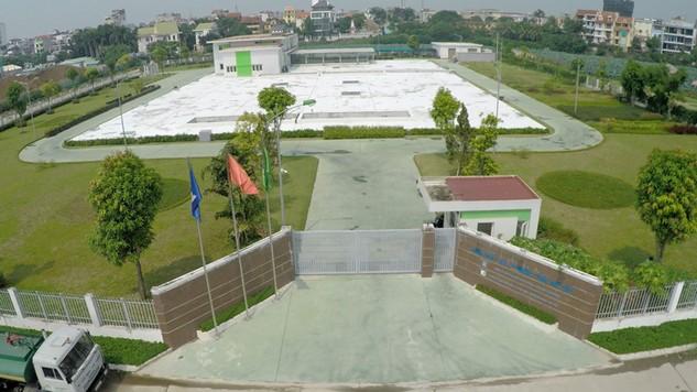 Nhà máy Xử lý nước thải Tây Hồ do Công ty Phú Điền vận hành đã nhận được sự đồng thuận rất cao của người dân sống quanh khu vực này do chất lượng nước sau xử lý được đảm bảo, đem lại không gian trong lành cho người dân. Ảnh: Bích Thảo