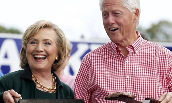 Bà Hillary Clinton cùng chồng, cựu tổng thống Bill Clinton. Ảnh:Reuters.
