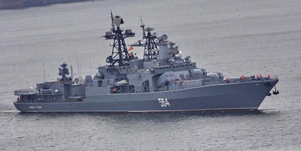 Tàu chống ngầm Đô đốc Tributs ở căn cứ của Hạm đội Thái Bình Dương. Ảnh:TASS.