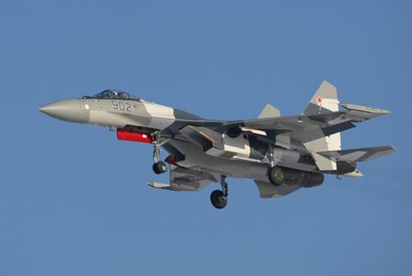 Tiêm kích Su-35 của Nga. Ảnh:Bedretdinov.