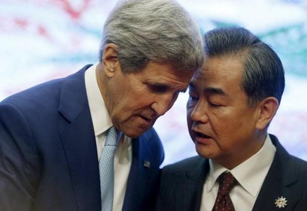 Ngoại trưởng Mỹvà Trung Quốc trong một cuộc gặp. Ảnh:Reuters
