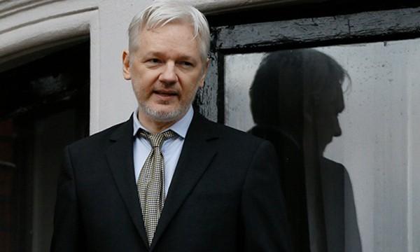 Julian Assange, người sáng lập WikiLeaks. Ảnh:AP