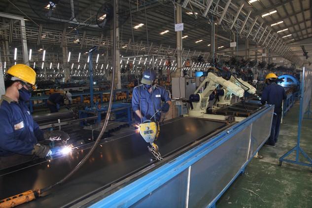 Sản xuất công nghiệp năm 2016 tiếp tục được mở rộng với chỉ số sản xuất toàn ngành công nghiệp tăng 7,5%. Ảnh: Hoài Nam