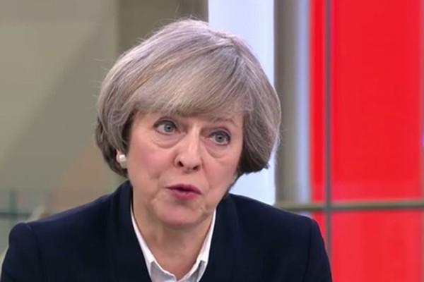 Thủ tướng Anh Theresa May hôm qua trả lời phỏng vấn kênh truyền hình Sky News. Ảnh:IBTimes
