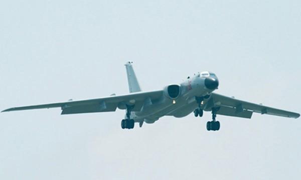 Máy bay ném bom H-6K của Trung Quốc. Ảnh:Military Today.
