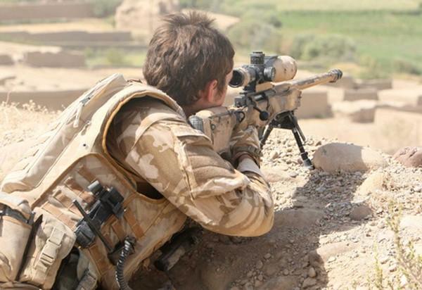 Một lính bắn tỉa SAS tại Iraq. Ảnh:Alalam News.