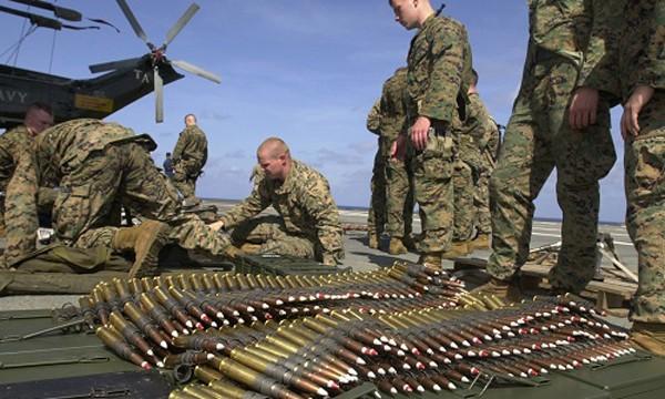 Binh sĩ Mỹ chuẩn bị đạn dược cho huấn luyện: Ảnh:US Army