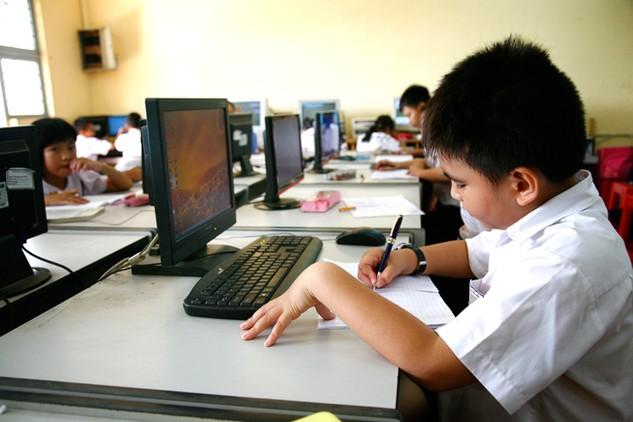 Mua sắm trang thiết bị dạy học không đúng quy định tại một số trường phổ thông dân tộc nội trú là nguyên nhân gây lãng phí ngân sách nhà nước. Ảnh: Nhã Chi