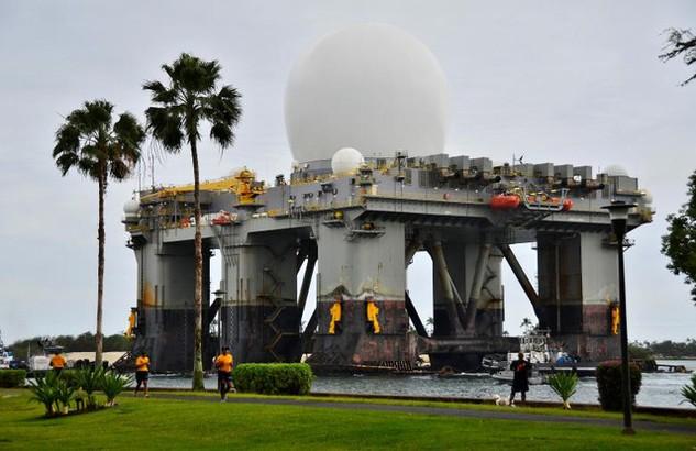Một hệ thống radar tia X trên biển (SBX) của Mỹ (Ảnh: Reuters)