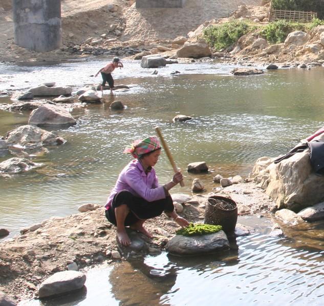 Dự án Kè Suối Nậm La, thành phố Sơn La do BQLDA di dân TĐC thủy điện Sơn La làm chủ đầu tư, có tổng mức đầu tư trên 1.475 tỷ đồng. Ảnh: Tường Lâm