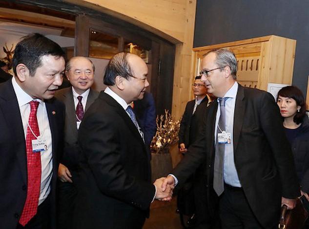 Trong khuôn khổ Hội nghị Diễn đàn Kinh tế thế giới, Thủ tướng Nguyễn Xuân Phúc có nhiều cuộc gặp gỡ, tiếp xúc với các tập đoàn, doanh nghiệp lớn. Ảnh: Đức Tuân VGP