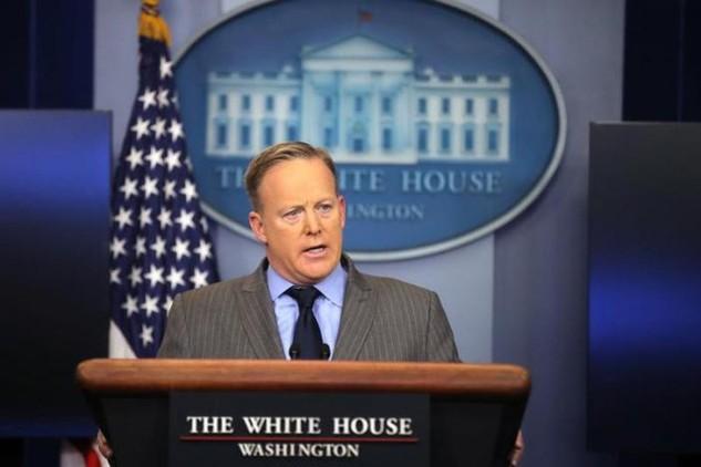 Người phát ngôn Nhà Trắng Sean Spicer (Ảnh: Reuters)