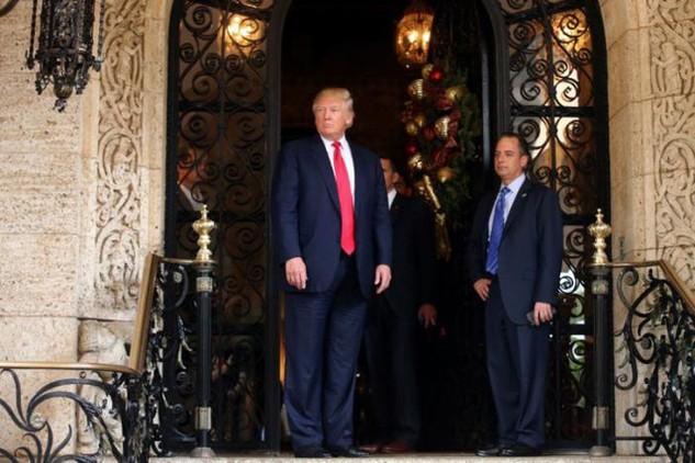 Tân Tổng thống Mỹ Donald Trump (trái) và Chánh văn phòng Nhà Trắng Reince Priebus. (Ảnh: Reuters)